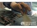 荆州可以隆胸假体取出和新假体植入手术一起做吗?
